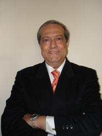 Profesor Javier Fernández Del Moral. Catedrático de Periodismo Especializado de la Universidad Complutense de Madrid.
