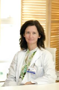 Dra. Elena Cela. Especialista del Servicio de Hematología Oncológica Pediátrica del Hospital Universitario Gregorio Marañón de Madrid