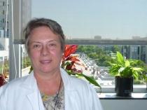 Dra. Ana Frank, Jefa de Sección de Neurología y Coordinadora de la Unidad de Trastornos Cognitivos y del Comportamiento del Servicio de Neurología del Hospital Universitario La Paz de Madrid