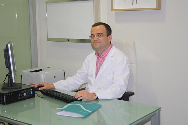 Dr. Rafael Trujillo Vilchez, oncólogo de Xanit Hospital Internacional